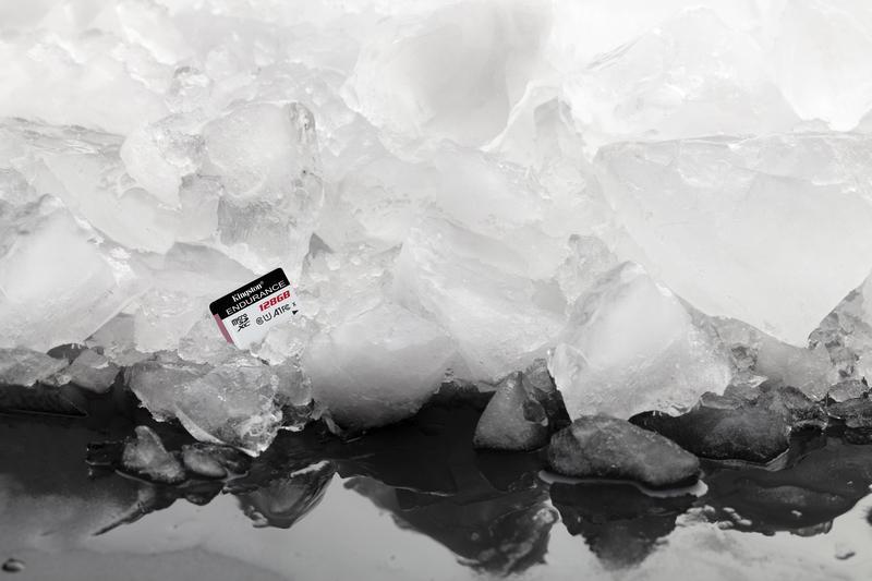 Odporna na ekstremalne temperatury i wstrząsy oraz na działanie wody i promieniowania rentgenowskiego